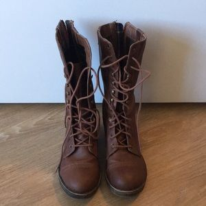 Brown size 7.5 combat fold down flannel boots